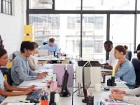 Como sobreviver em um escritório aberto sem odiar seus colegas