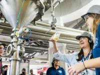 Ambev abre fábricas de cerveja para visitas gratuitas